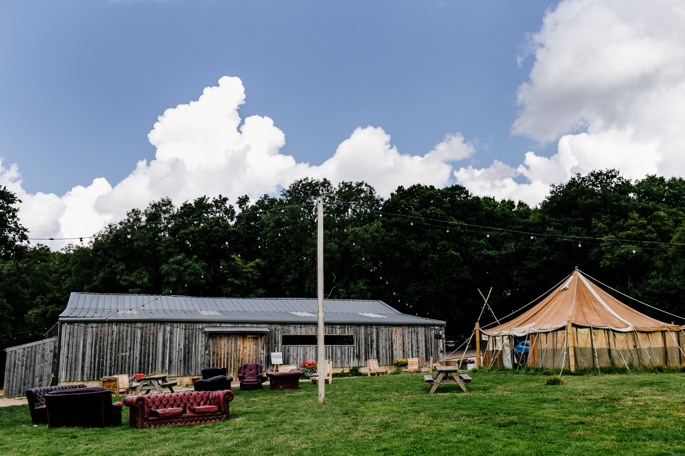 alternative kent + Sussex wedding photographer - hawthbush farm-Epic Love Story-025