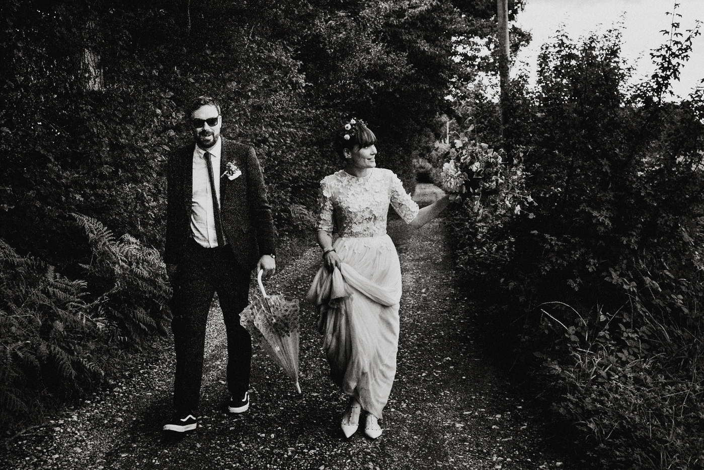 alternative kent + Sussex wedding photographer - hawthbush farm-Epic Love Story-078