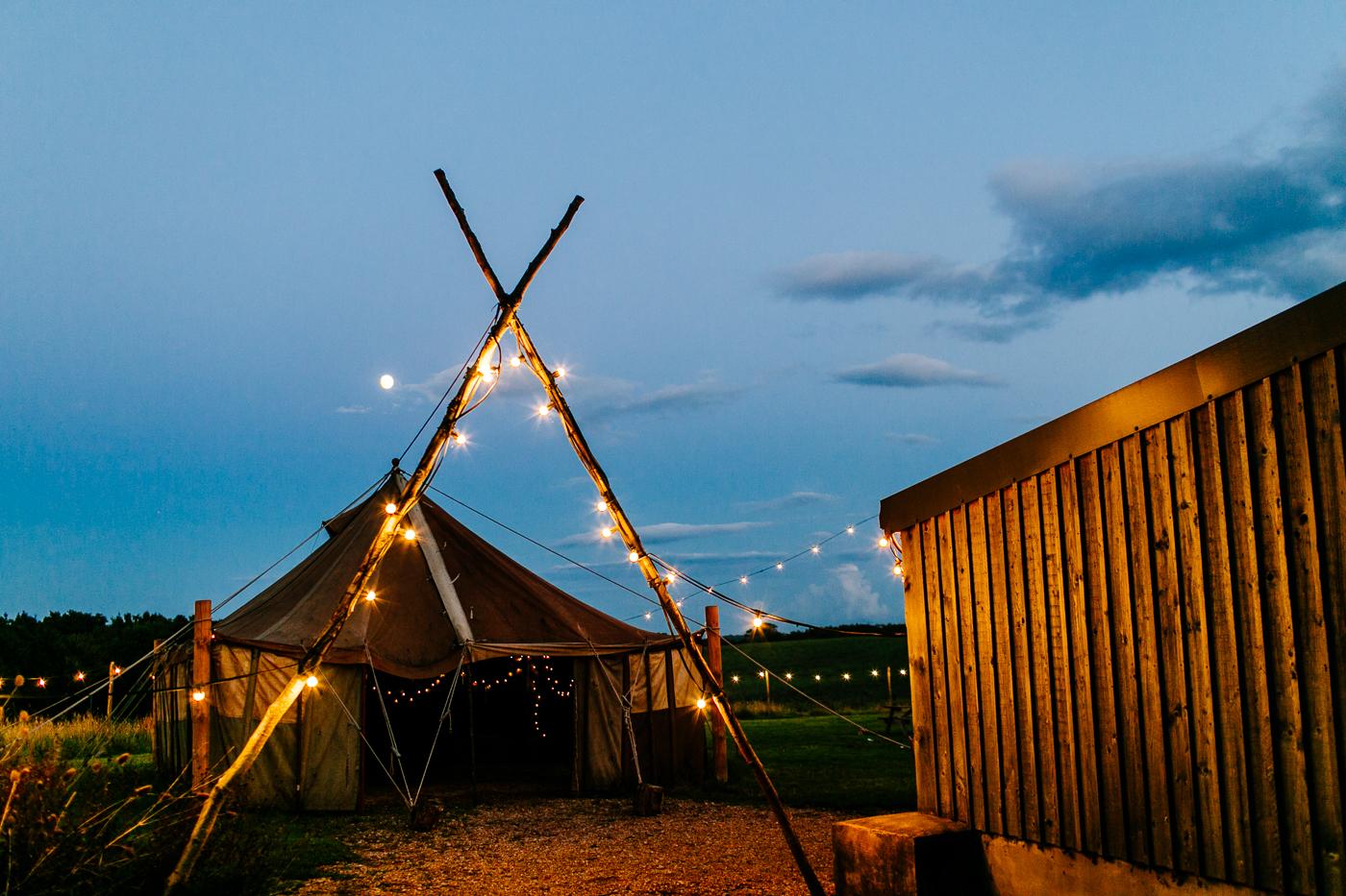 alternative kent + Sussex wedding photographer - hawthbush farm-Epic Love Story-105