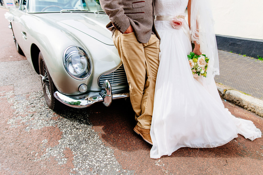 relaxed kent wedding photographer-venue-quirky car