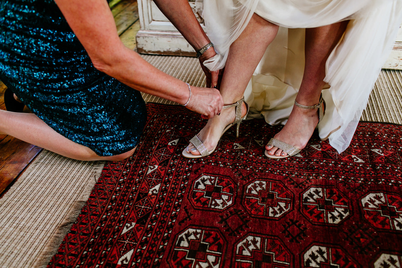 colourful-upwaltham-barns-sussex-wedding-photographer-014