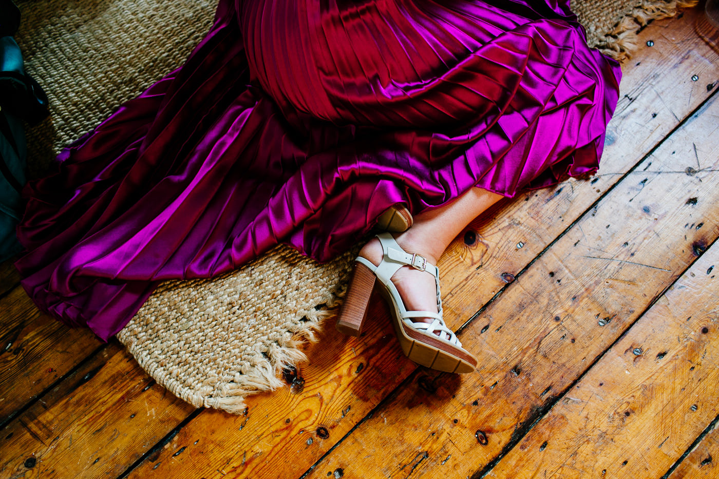 colourful-upwaltham-barns-sussex-wedding-photographer-015
