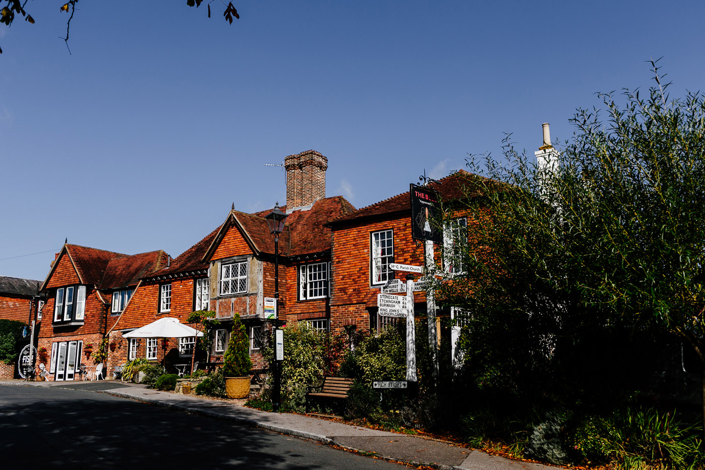 The-bell-in-Ticehurst-pub-kent-wedding-photographer-London-Epic-Love-Story-001