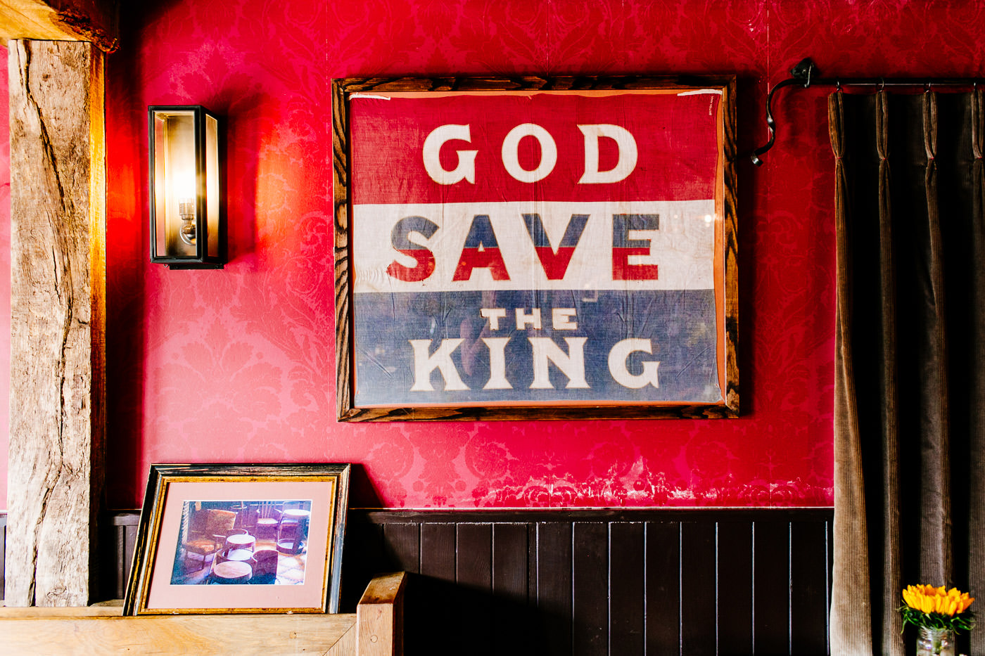 The-bell-in-Ticehurst-pub-kent-wedding-photographer-London-Epic-Love-Story-003