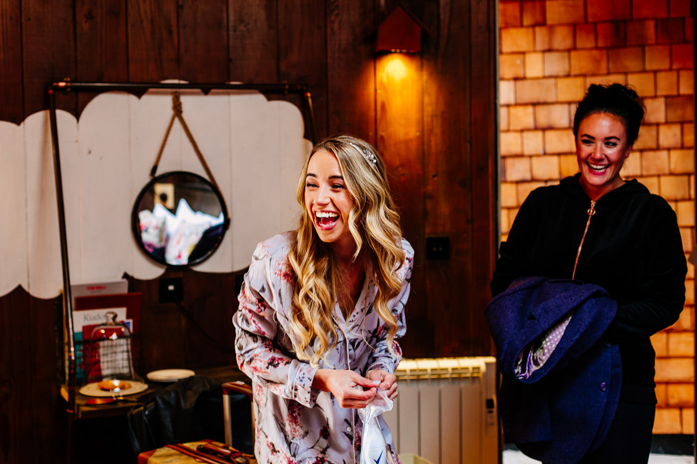 The-bell-in-Ticehurst-pub-kent-wedding-photographer-London-Epic-Love-Story-020