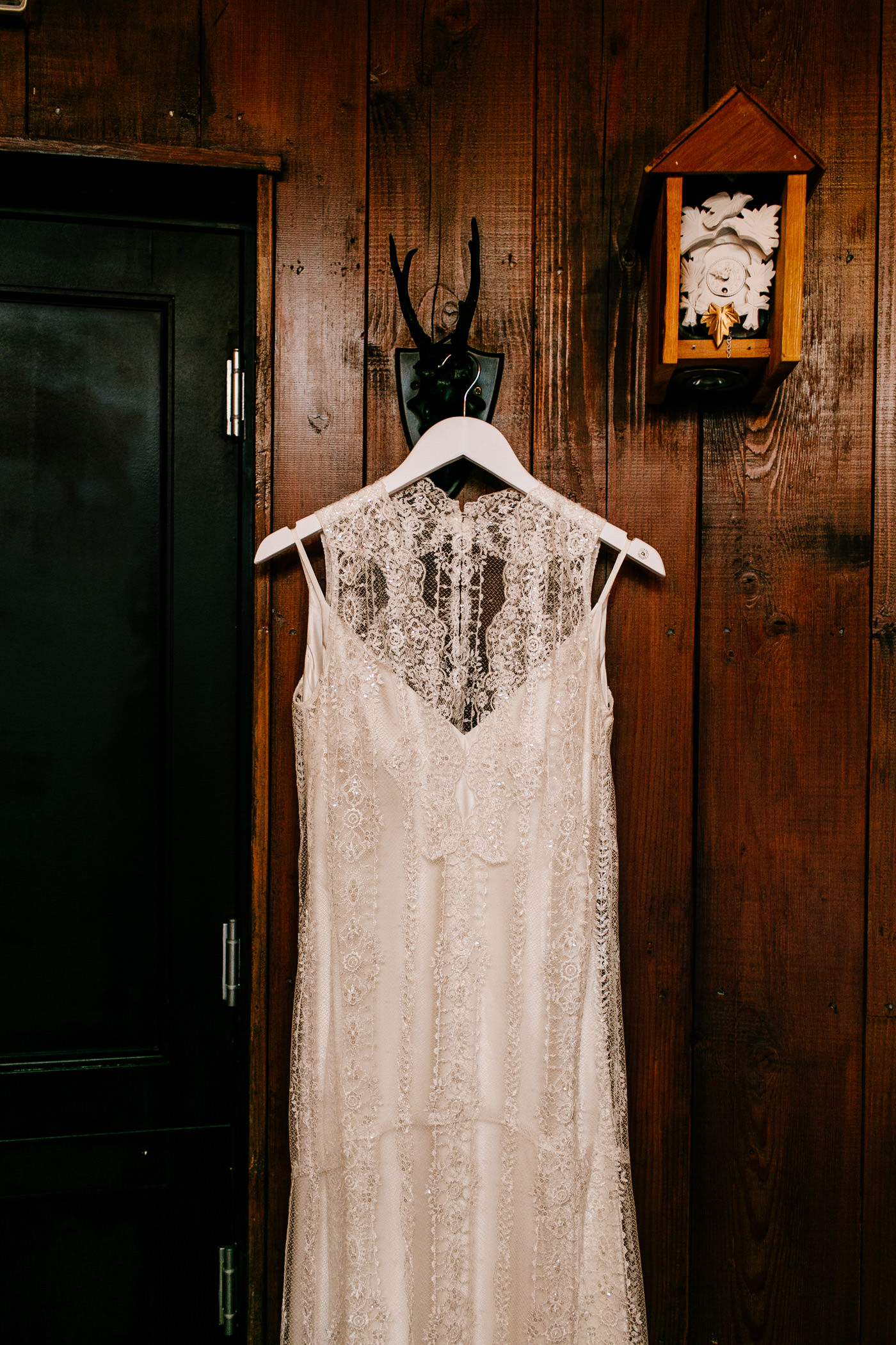 The-bell-in-Ticehurst-pub-kent-wedding-photographer-London-Epic-Love-Story-021