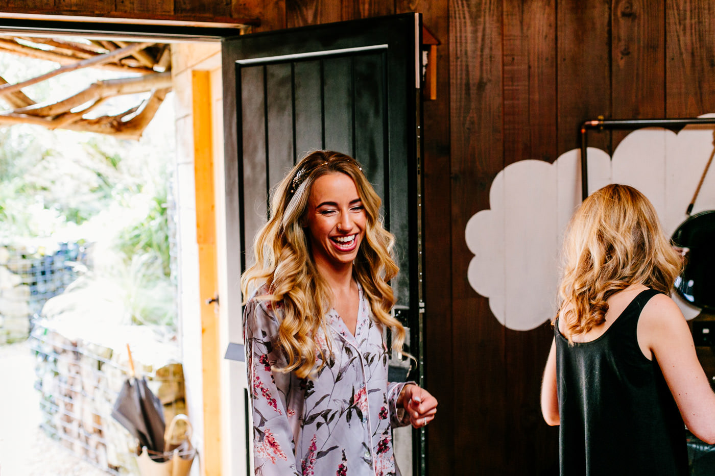 The-bell-in-Ticehurst-pub-kent-wedding-photographer-London-Epic-Love-Story-024