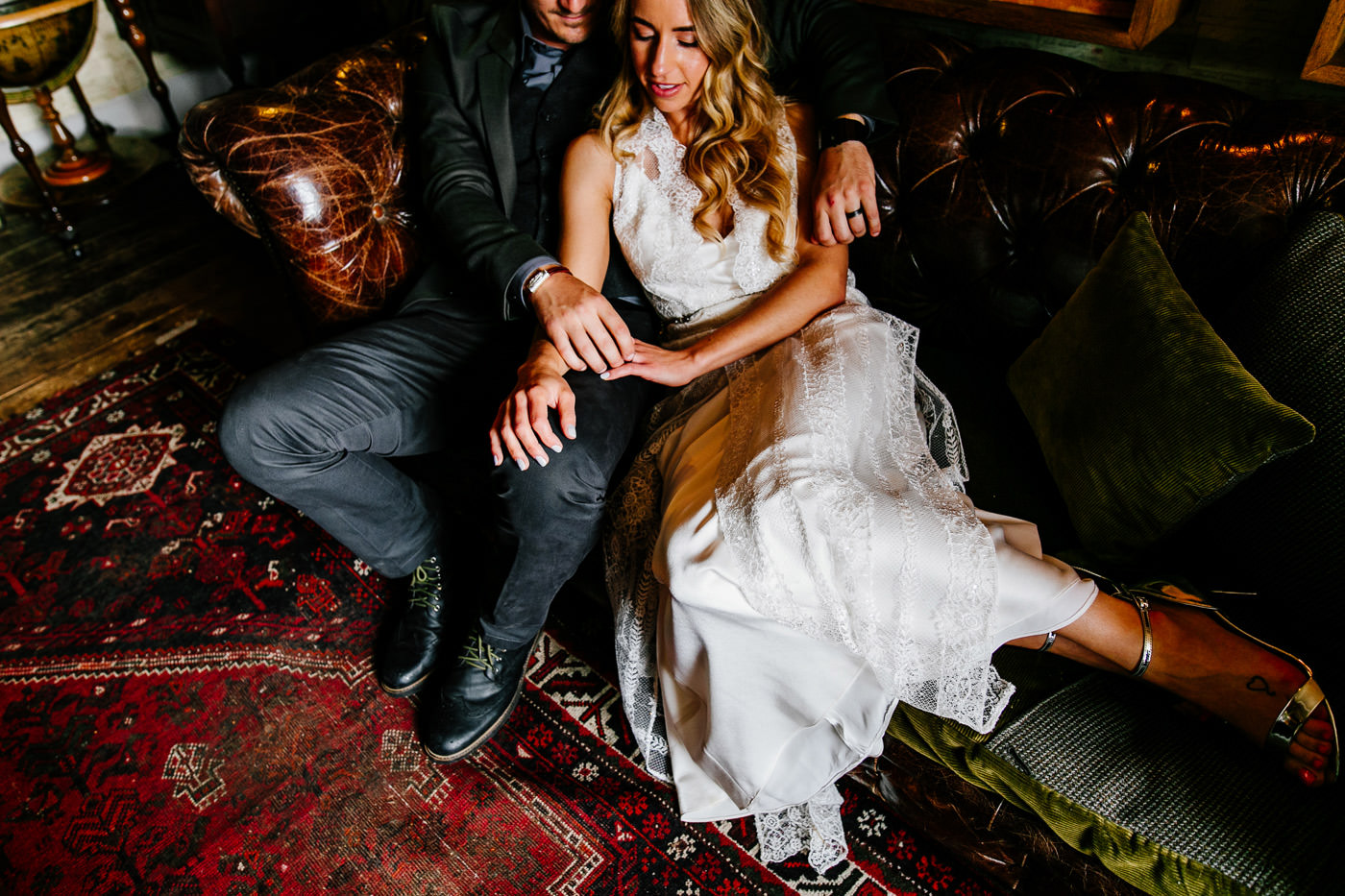 The-bell-in-Ticehurst-pub-kent-wedding-photographer-London-Epic-Love-Story-060