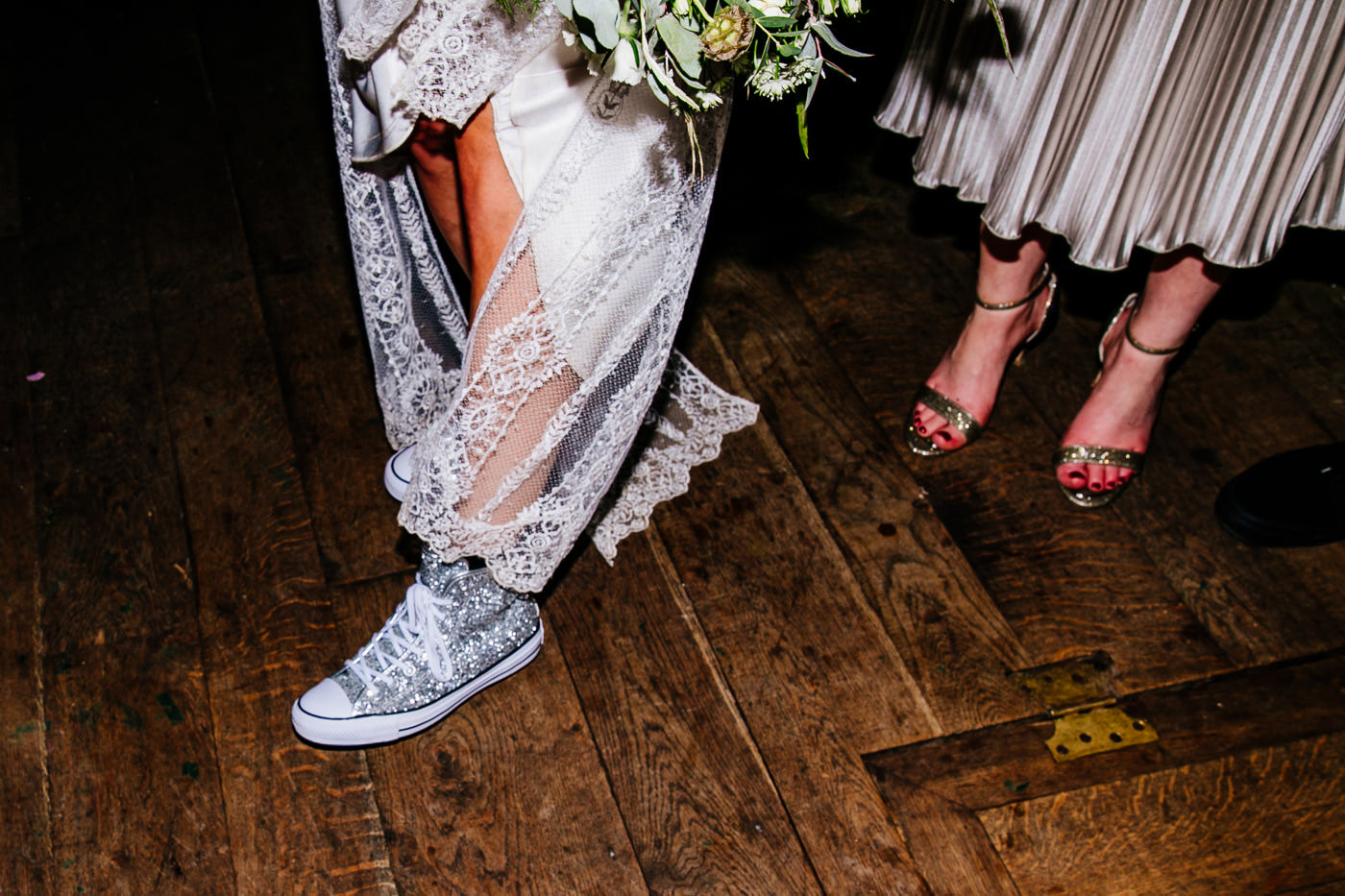 The-bell-in-Ticehurst-pub-kent-wedding-photographer-London-Epic-Love-Story-101