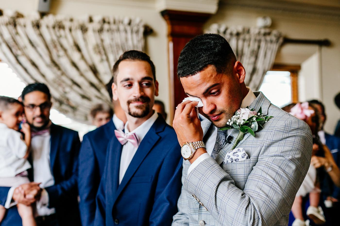 natural Hertfordshire wedding photographer